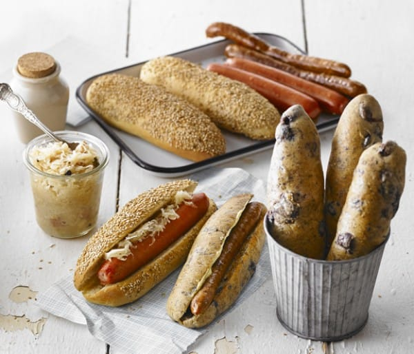 PAIN HOT-DOG AUX OLIVES