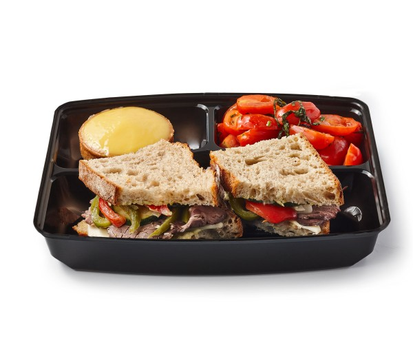 Roast beef & grilled vegetables sandwich
