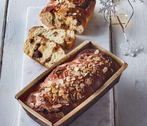 SQUARE BRIOCHE LOAF WITH FRUITS & ALMONDS