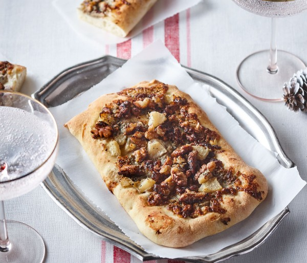 PEAR, BLUE CHEESE AND NUTS FOCACCIA