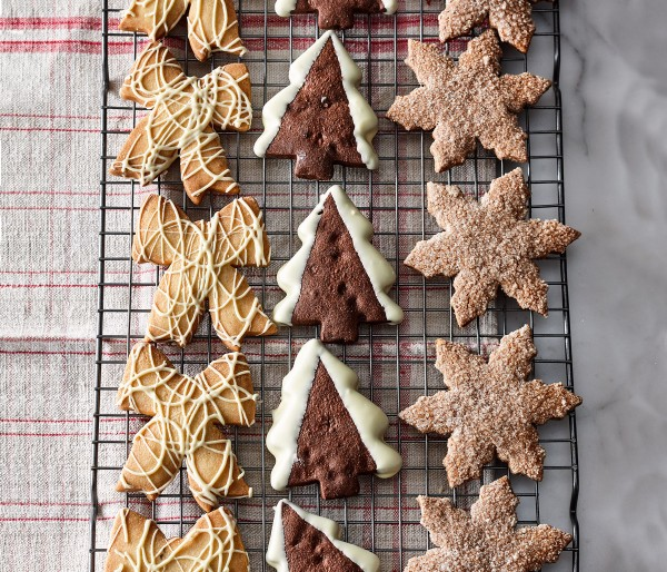 CINNAMON SNOWFLAKE COOKIE