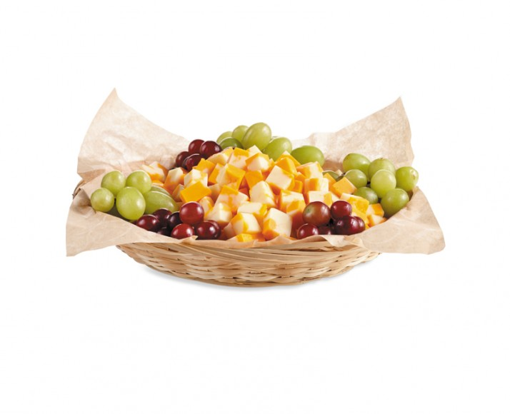 Basket of cheddar cubes & grapes