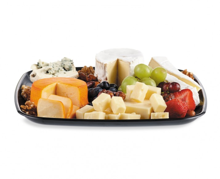 Plateau de fromages fins et de fruits