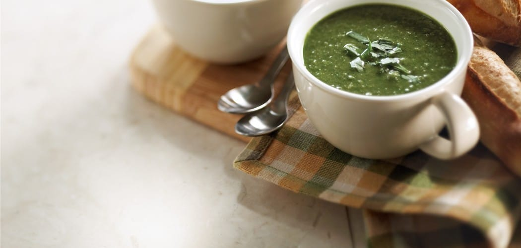Parsley, spinach and bulgur soup