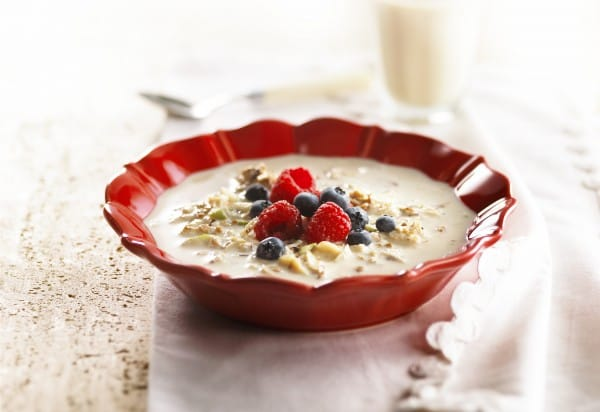 Unsweetened swiss birchermüesli with maca