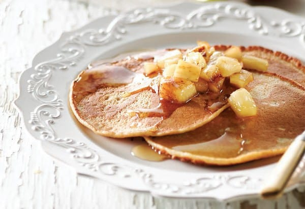 Spelt pancakes topped with apples